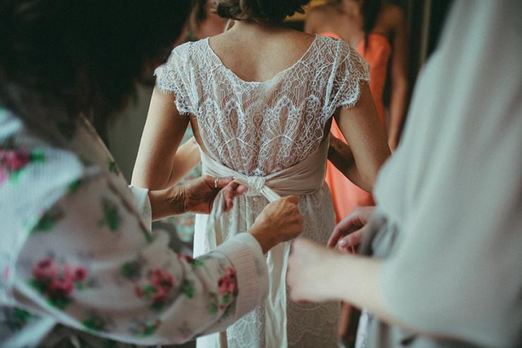 getting-ready-trentham-wedding-25_860