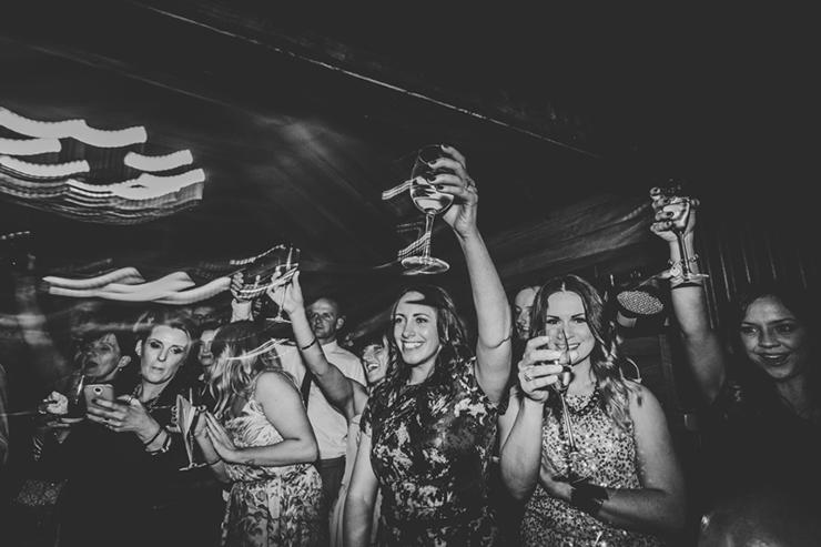 wedding-dancing-shots-34_860